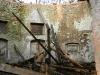 06-zamek-zborcena-strecha-vnitrek