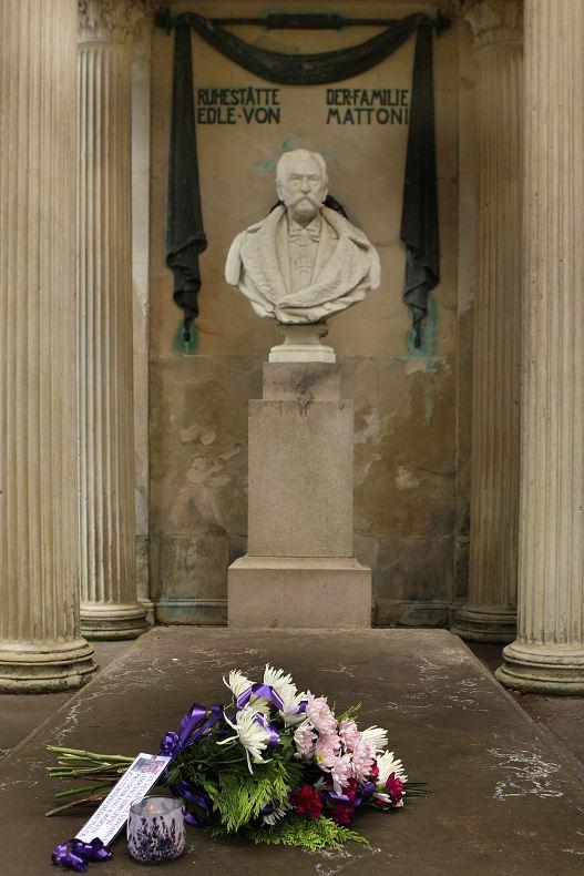 Hrobka Heinricha von Mattoniho s jeho bustou